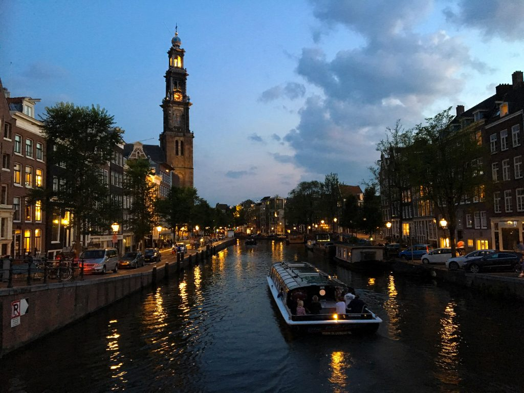 Fun Things to do in Amsterdam - Picture of the Canal at Dusk