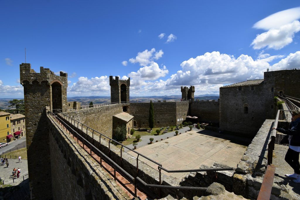 Things to Do in Montalcino - Fortress of Montalcino Courtyard