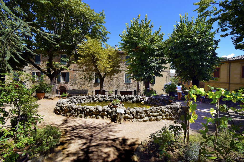 Things to Do in Montalcino - Piazza Cavour